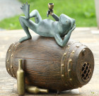 Connoisseur Frog Garden Sculpture Bluetooth Speaker
