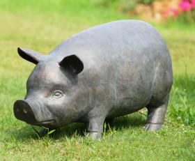 Perky Pig Garden Sculpture with Bluetooth Speaker