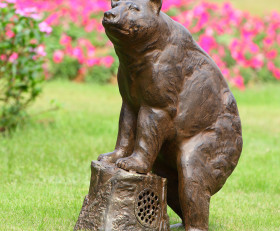 Sierra Bear Garden Sculpture with Bluetooth Speaker